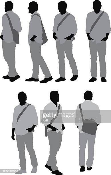 ilustraciones, imágenes clip art, dibujos animados e iconos de stock de varias imágenes de un hombre con bolsa de hombro - encuadre de cuerpo entero