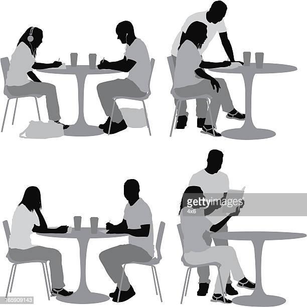 ilustraciones, imágenes clip art, dibujos animados e iconos de stock de múltiples imágenes de pareja en un restaurante. - mujer escuchando musica