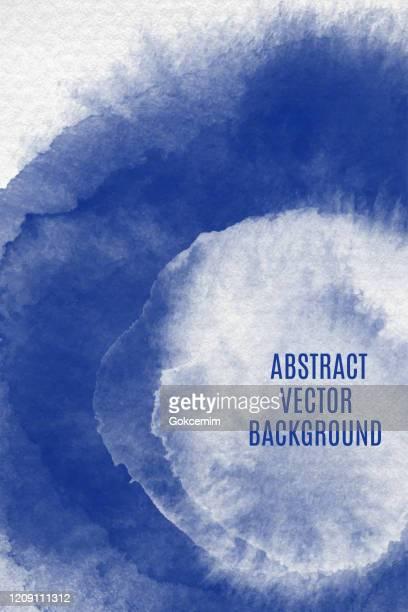 ilustrações, clipart, desenhos animados e ícones de círculo de aquarela azul e branco marinho espirra conjunto isolado em fundo branco. borda de tons de tinta azul marinho espirrando gotículas. elemento de design de aquarela. mão azul marinho pintada textura abstrata. elemento de design para cartões de  - cor saturada