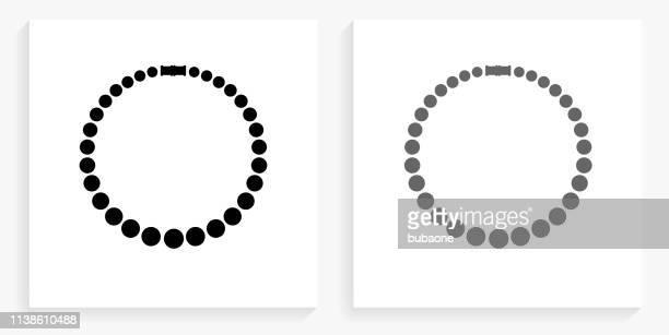 stockillustraties, clipart, cartoons en iconen met ketting zwart en wit vierkant pictogram - halsketting