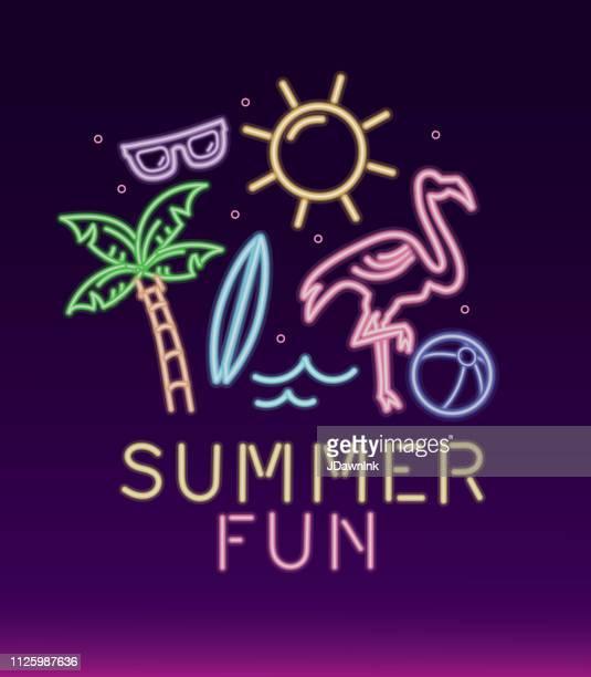 ilustraciones, imágenes clip art, dibujos animados e iconos de stock de diseño de la diversión de verano tropical de signo de neón - pelota de playa