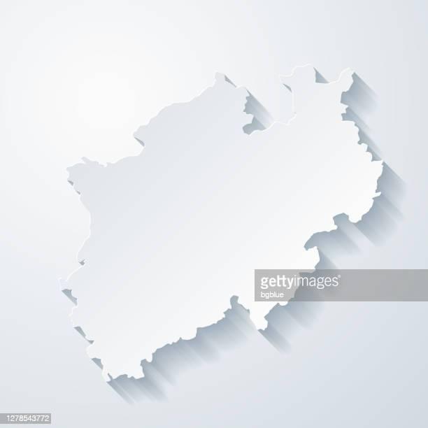 ilustrações, clipart, desenhos animados e ícones de mapa da renânia do norte-vestfália com efeito de corte de papel em fundo em branco - north rhine westphalia