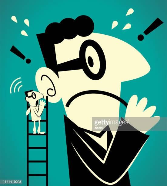 あるビジネスマンがはしごを登って、巨大な男にささやきメッセージ (悪い知らせ) をする - ショック点のイラスト素材/クリップアート素材/マンガ素材/アイコン素材