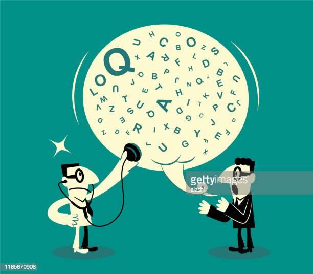 stockillustraties, clipart, cartoons en iconen met een man luisteren naar een grote toespraak bubble terwijl een andere man praten - klagen