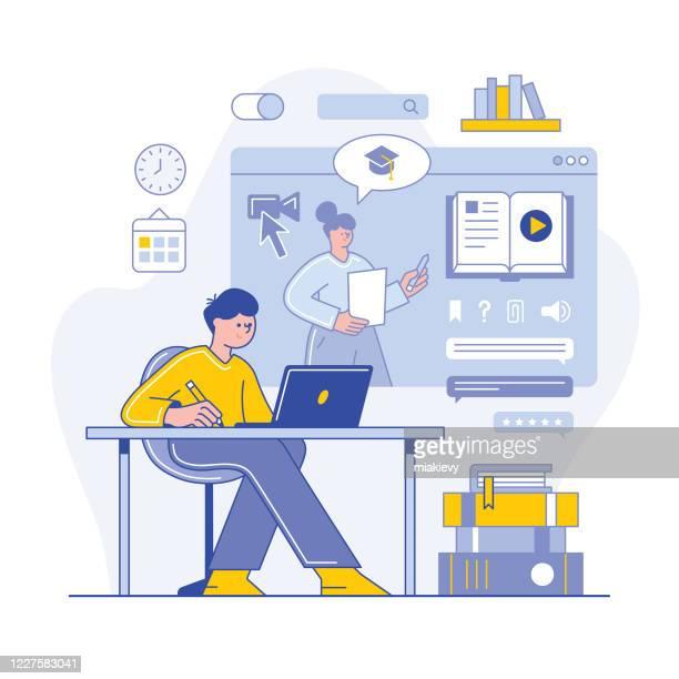 ilustraciones, imágenes clip art, dibujos animados e iconos de stock de aprendizaje en línea - aprender