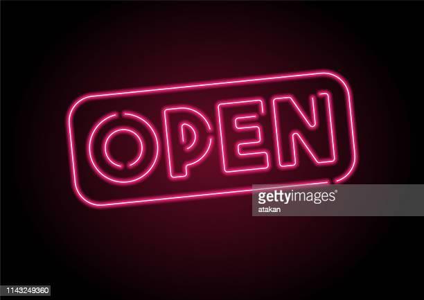 stockillustraties, clipart, cartoons en iconen met open teken rood neon licht op zwarte muur - fluorescerende