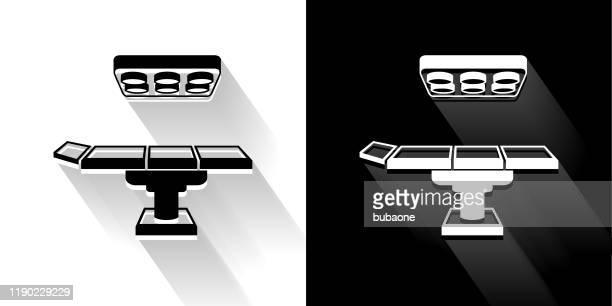 長い影の操作テーブルの黒と白のアイコン - 手術台点のイラスト素材/クリップアート素材/マンガ素材/アイコン素材