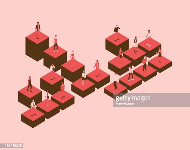 stockillustraties, clipart, cartoons en iconen met organigram met mensen in een rood kleurenpalet - hiërarchie