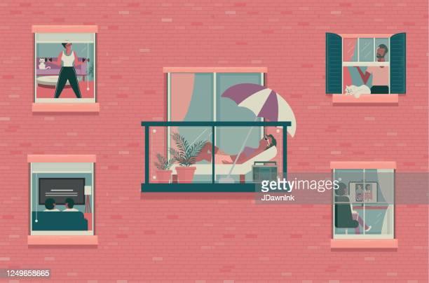 illustrations, cliparts, dessins animés et icônes de regard extérieur dans le concept - génération du millénaire
