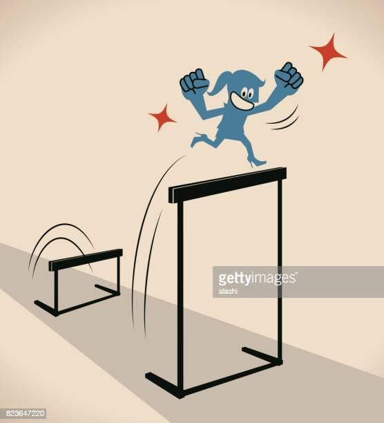 über hindernisse, geschäftsfrau (frau, hürdenläufer, sportler) lächelnd einen sprung über die hürde (höheres ziel) - umschulung stock-grafiken, -clipart, -cartoons und -symbole