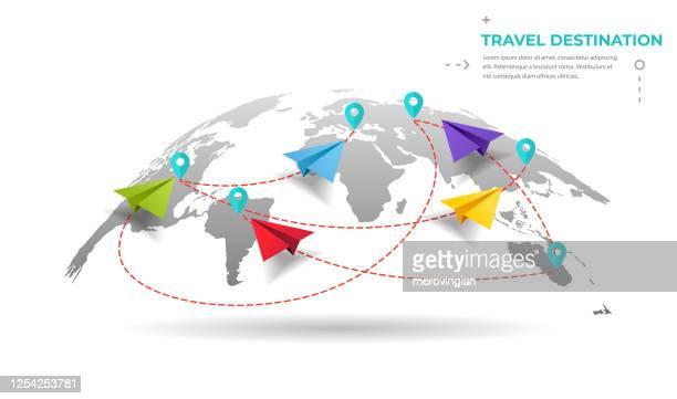 illustrazioni stock, clip art, cartoni animati e icone di tendenza di aeroplani di carta che volano in tutto il mondo - continente area geografica