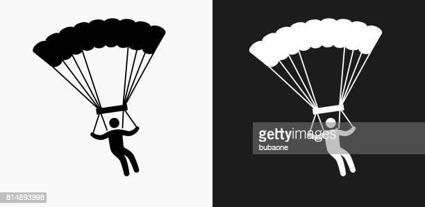 illustrations, cliparts, dessins animés et icônes de icône de parachutisme sur noir et blanc vector backgrounds - saut en parachute