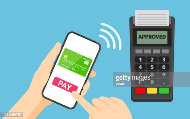 illustrazioni stock, clip art, cartoni animati e icone di tendenza di payment from smartphone to pos terminal - tecnologia mobile