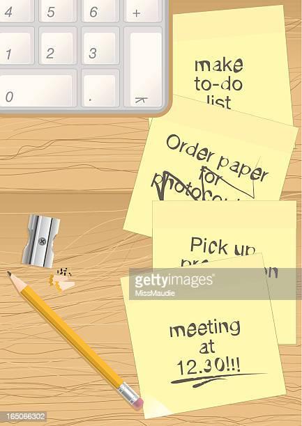 Bleistift, Post-it und Tastatur