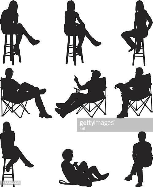 Menschen sitzen