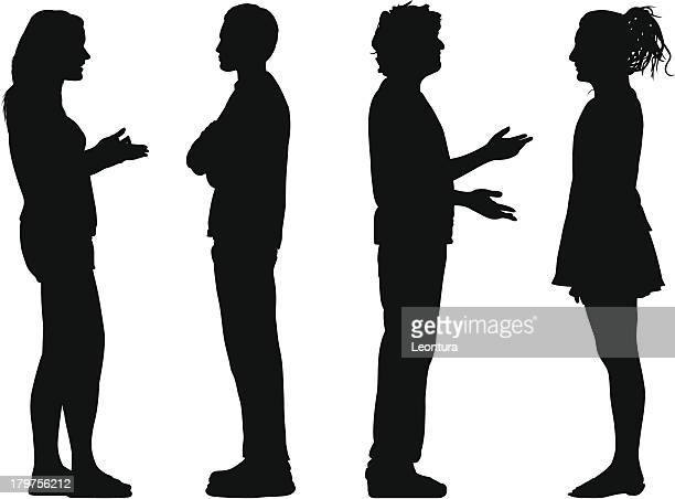 Personnes discutant