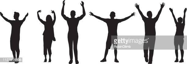 ilustraciones, imágenes clip art, dibujos animados e iconos de stock de personas con los brazos levantado siluetas - alzar los brazos
