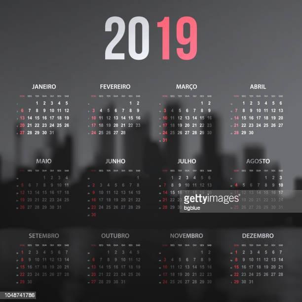 ilustrações, clipart, desenhos animados e ícones de português calendário 2019 no horizonte da cidade, em preto e branco - 2019