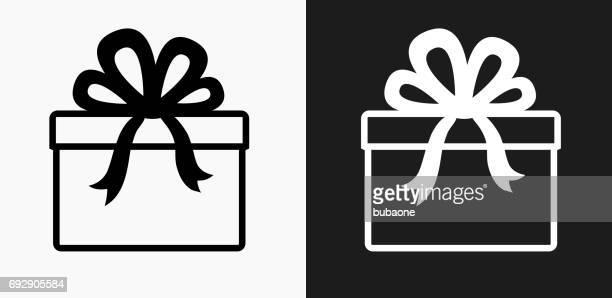 ilustraciones, imágenes clip art, dibujos animados e iconos de stock de presente icono en blanco y negro vector fondos - cajaderegalo