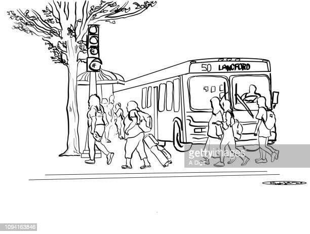 illustrations, cliparts, dessins animés et icônes de piétons et transports en commun - abribus