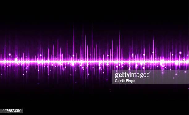 stockillustraties, clipart, cartoons en iconen met purple sound waves achtergrond - oscilloscoop