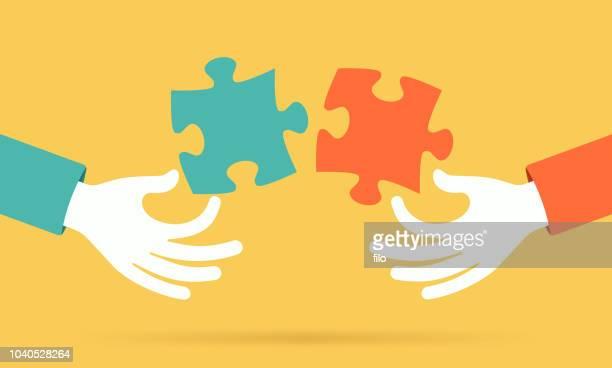 eine puzzle zusammenfügen - berufliche partnerschaft stock-grafiken, -clipart, -cartoons und -symbole