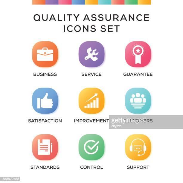 ilustraciones, imágenes clip art, dibujos animados e iconos de stock de los iconos de aseguramiento de la calidad establecido sobre fondo degradado - contrato