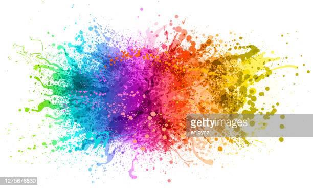 ilustraciones, imágenes clip art, dibujos animados e iconos de stock de salpicadura de pintura arco iris - salpicar