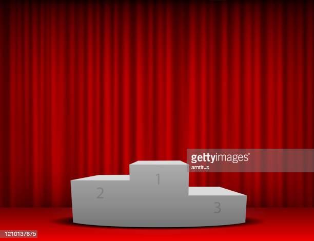 roter vorhang podium - winners podium stock-grafiken, -clipart, -cartoons und -symbole