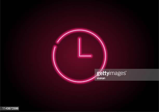 stockillustraties, clipart, cartoons en iconen met rode tijd icoon neon licht op zwarte muur - fluorescerende