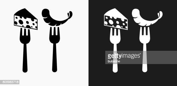 ilustrações, clipart, desenhos animados e ícones de restaurante queijo e camarão ícone em preto e branco vector backgrounds - camarões