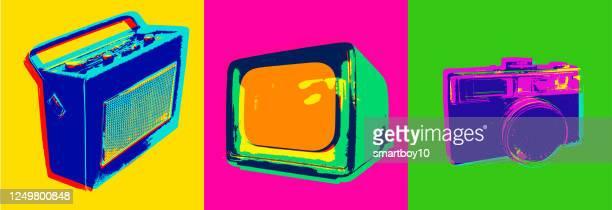 ilustraciones, imágenes clip art, dibujos animados e iconos de stock de iconos retro - 1970 - camara reflex
