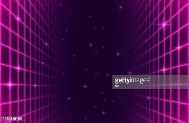 illustrazioni stock, clip art, cartoni animati e icone di tendenza di sfondo griglia arcade spaziale retrò - traccia di luce