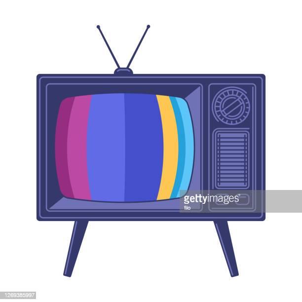 bildbanksillustrationer, clip art samt tecknat material och ikoner med retro television tv-apparat - film and television screening