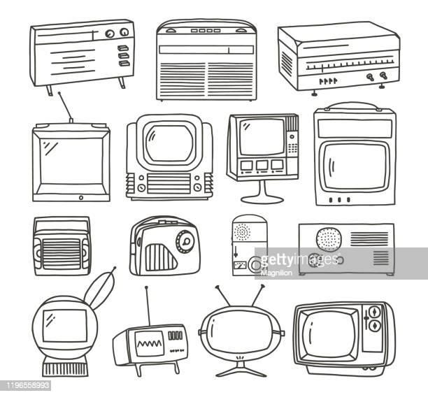 illustrazioni stock, clip art, cartoni animati e icone di tendenza di set doodles tv e radio retrò - hi fi