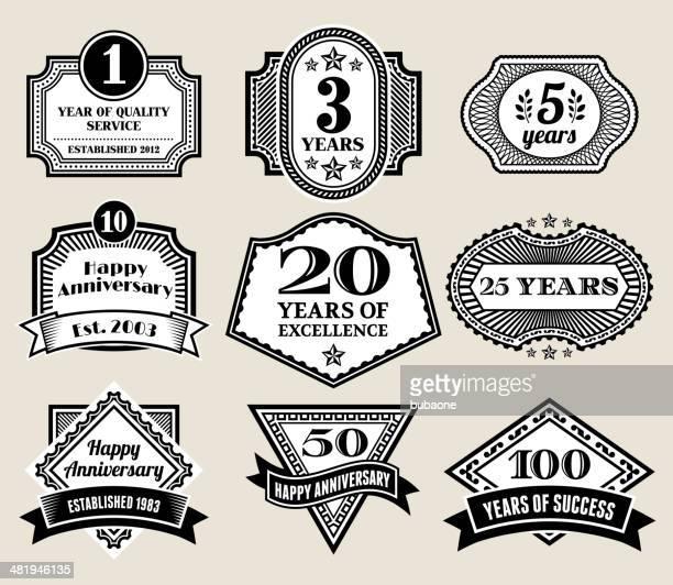 円形ビジネス周年バッジ、ブラックとホワイト - 10周年点のイラスト素材/クリップアート素材/マンガ素材/アイコン素材