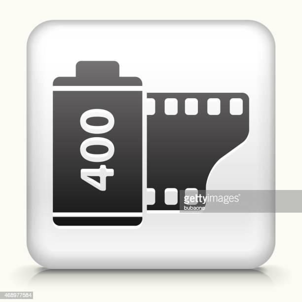 ilustraciones, imágenes clip art, dibujos animados e iconos de stock de sin royalties de vector icono botón con rollo de película - rollo de cine