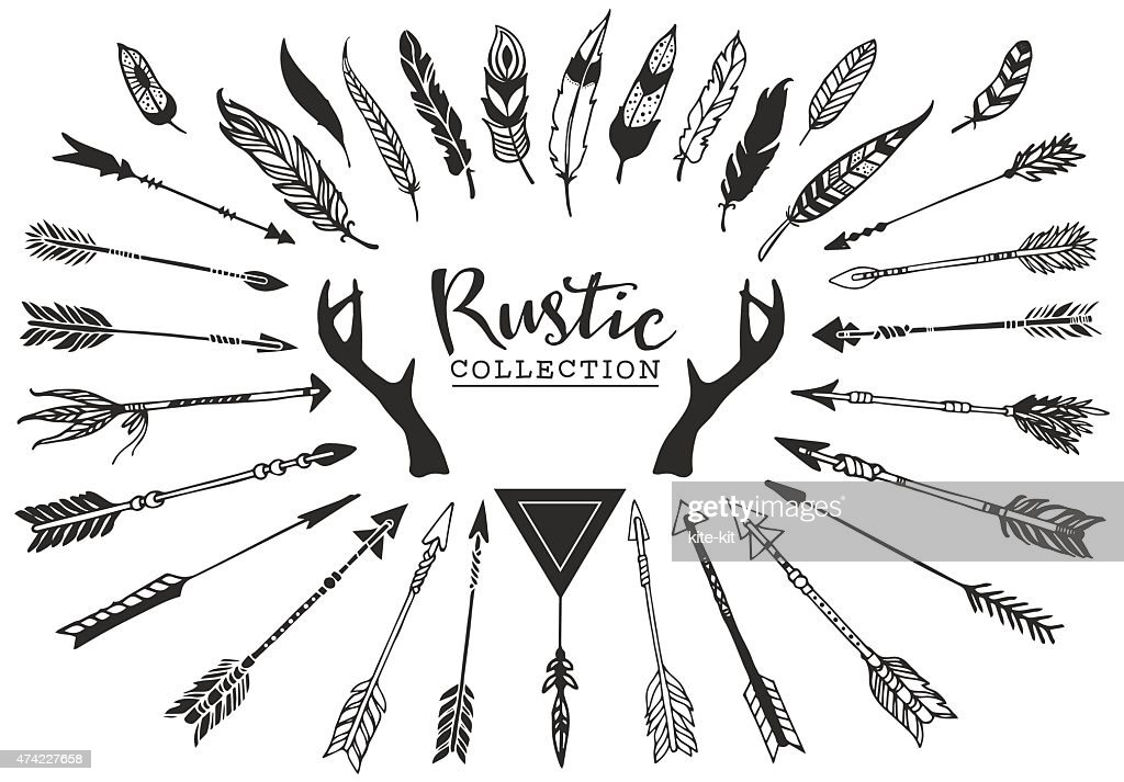 Rustic decorative antlers, arrows and feathers.
