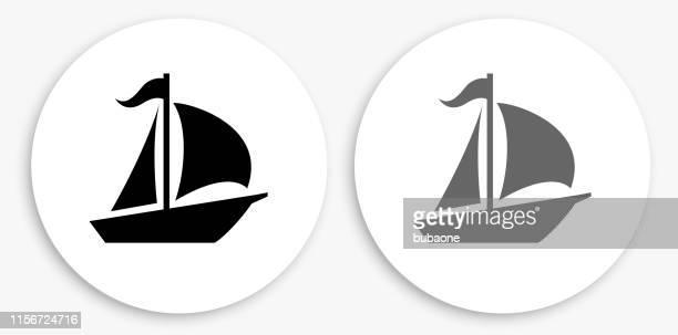 illustrations, cliparts, dessins animés et icônes de icône ronde noire et blanche de voilier - voilier noir et blanc