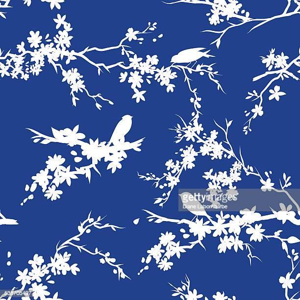 Sakura Kirsche Blüten und Vögel Nahtlose Muster in blau und weiß