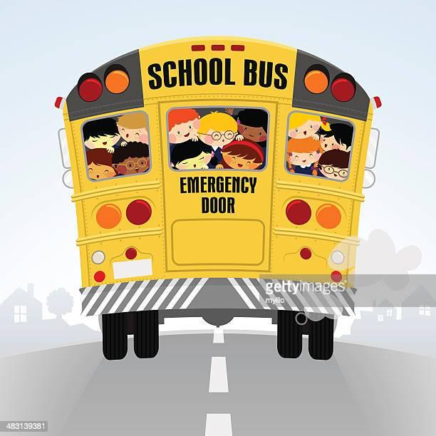 Schoolbus. Voltar para a escola, ilustração de crianças feliz