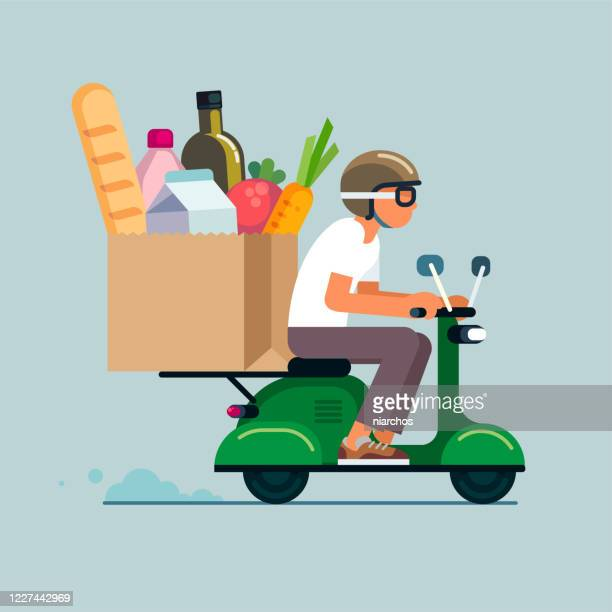 illustrazioni stock, clip art, cartoni animati e icone di tendenza di consegna di generi alimentari in scooter - ordine