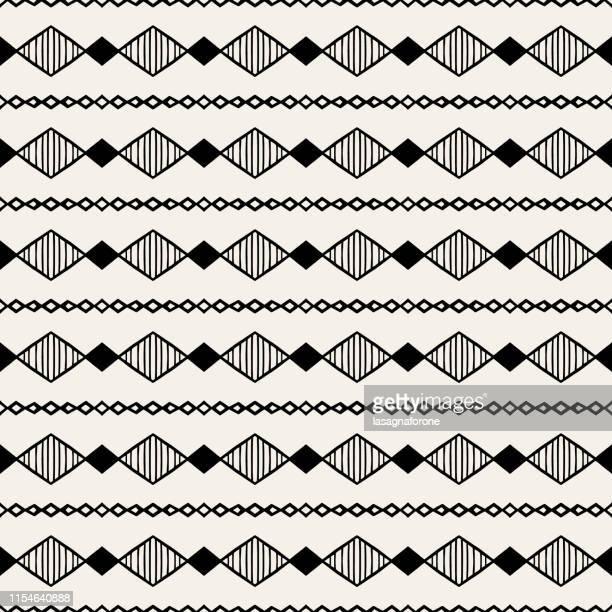 illustrazioni stock, clip art, cartoni animati e icone di tendenza di motivo geometrico senza cuciture - disegnato a mano - africa