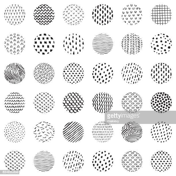 Seamless hand drawn circles pattern