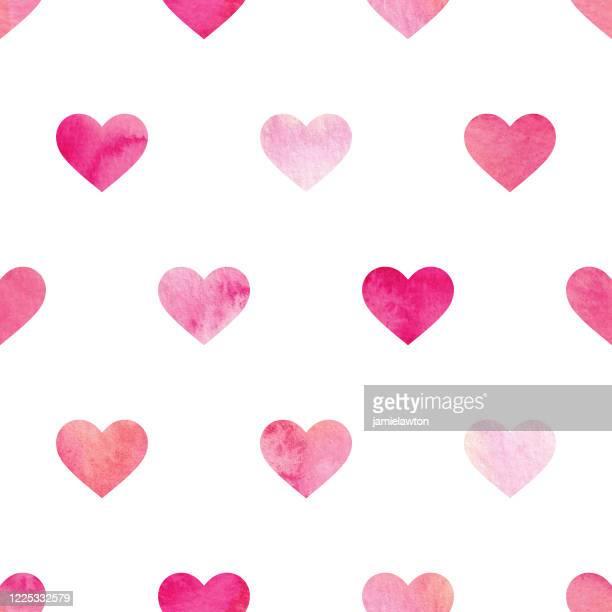illustrazioni stock, clip art, cartoni animati e icone di tendenza di motivo a cuore acquerello verniciato senza cuciture su sfondo bianco - rosa pallido