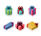 Set of gift boxes with bows and ribbons. Isometric illustration on white background. 3D realistic icons. Vector