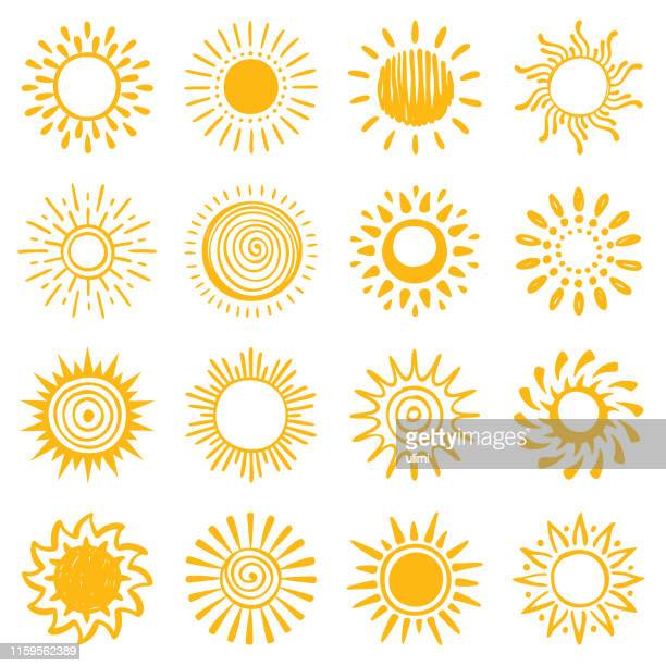 stockillustraties, clipart, cartoons en iconen met set van de hand getekende zon iconen - zon