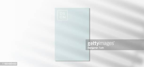 ilustraciones, imágenes clip art, dibujos animados e iconos de stock de efecto de silueta de sombra en la plantilla - ventana