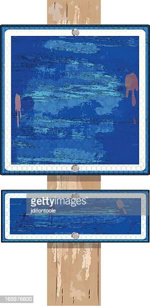 Mit Holz Schild auf Post/Blau Grunge