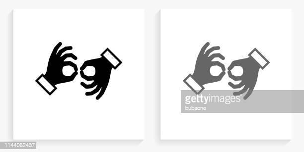 illustrations, cliparts, dessins animés et icônes de icône de la langue des signes noir et blanc carré - perte auditive